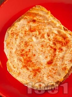 Яйчен пастет - разядка с извара, яйца и чесън без сирене - снимка на рецептата